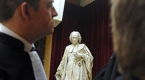 La loi Perben II, en simplifiant les procédures de divorce, devait désencombrer les tribunaux.