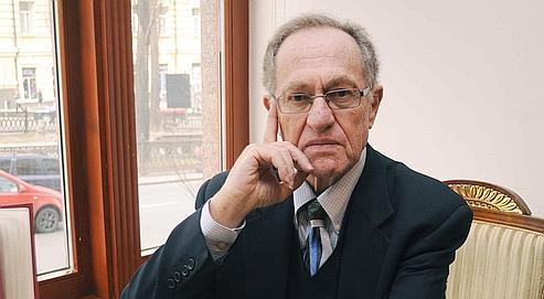 Me Alan Dershowitz: «Du point de vue dela victime, il vaut mieux se retrouver avec 2 ou 3millions de dollars sur son compte en banque plutôt que risquer de tout perdre.»