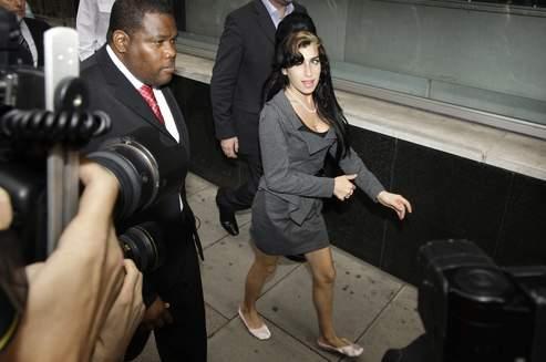 Amy Winehouse en 2009, à son arrivée au palais de Justice de Westminster à Londres.