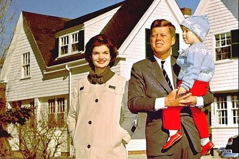 Jackie, John et Caroline Kennedy en 1960.
