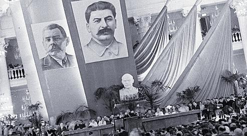 Poète, écrivain et journaliste, Koltsov fut longtemps à l'honneur lors des congrès des écrivains soviétiques. (Crédits photo: AKG-IMAGES)