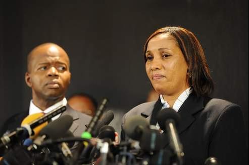 Nafissatou Diallo et son avocat Kenneth Thomson lors d'une conférence de presse donnée le 28 juillet dernierà New York.