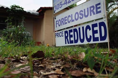 Les banques avaient facilité l'accès aux prêts immobiliers des ménages américains pour recruter de nouveaux clients et leur vendre des logements souvent trop chers.