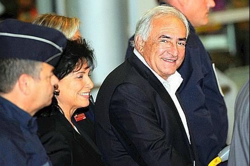 Dominique Strauss-Kahn et son épouse n'ont fait aucune déclaration.