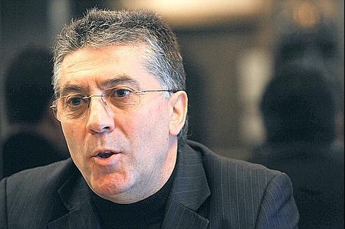«Ces factures correspondent à la consommation lors de très fréquentes réunions au siège de la fédération», se défend Robert Navarro.