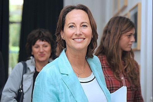 Ségolène Royal a dénoncé mercredi «l'accumalation de sondages qui voudraient influencer les électeurs avant le scrutin».