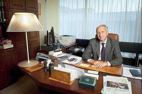 Il n'est pas exclu que Philippe Courroye soit candidat au poste de procureur de Paris.