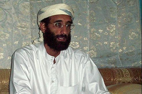 Anwar al-Awlaki, ici en 2010, est le premier citoyen américain à être la cible d'une élimination dans le cadre de la lutte contre le terrorisme post 11 septembre 2001.