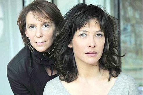 Bénédicte Acolas (à gauche) a mis en scène Une histoire d'âme, dont Sophie Marceau est l'interprète. (Nathalie Eno)