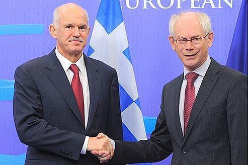 Le premier ministre grec, Georges Papandréou (à gauche), et le président du Conseil européen, Herman Van Rompuy, lors de la réunion bilatérale, à Bruxelles le 13 octobre.