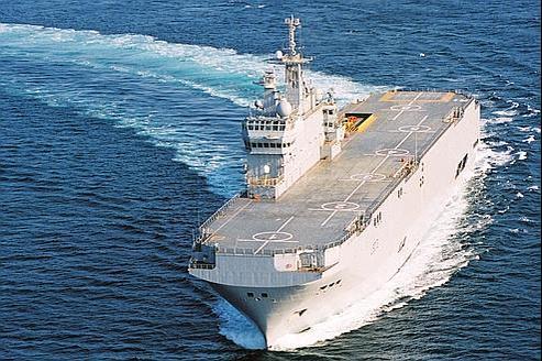 Un navire de projection et de commandement (BPC) de classe Mistral. Crédit : DCNS