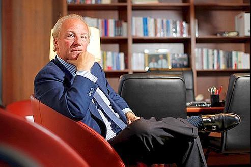 Brice Hortefeux dans son bureau, mercredi, au siège de l'UMP, à Paris.