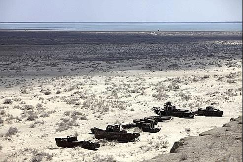 Une partie sèche de la mer d'Aral. Ici en 2010.