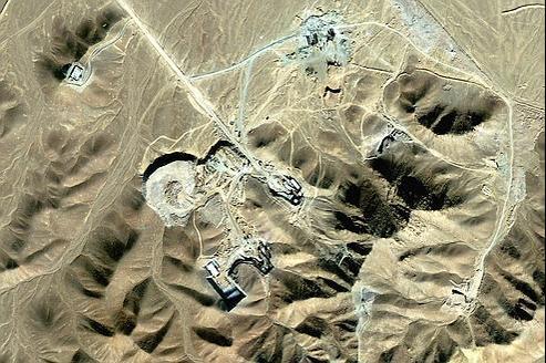 Les Iraniens auraient installé leurs réacteurs les plus performants dans une base militaire enterrée sous une montagne près de la ville de Qom, à 150 kilomètres au sud-ouest de Téhéran. (Ici, un site d'enrichissement d'uranium près de Qom, dont l'existence a été admise en 2009 par le régime iranien.)