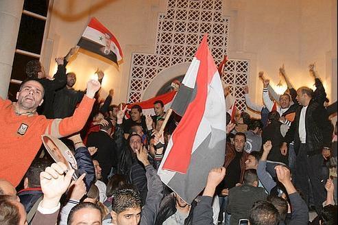 Samedi soir à Damas, devant l'ambassade du Qatar.