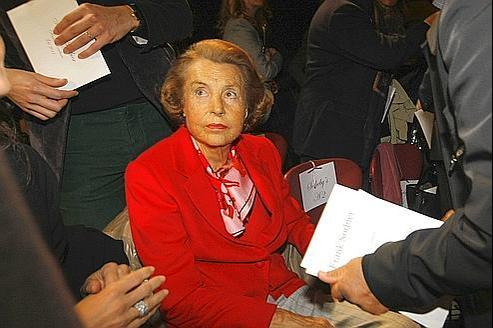 Le fisc réclame plus de 77 millions à Liliane Bettencourt