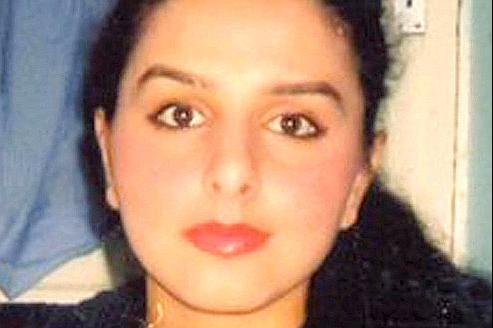 Banaz Mahmod, 20 ans, a été violée, torturée, étranglée puis brûlée sur ordre de son père et de son oncle en 2006 car elle fréquentait un garçon. Son meurtre avait choqué le Royaume-Uni.