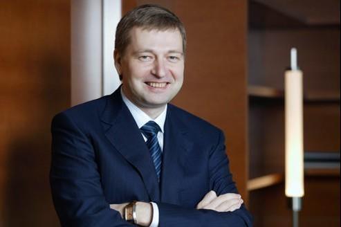 L'oligarque russe Dmitri Rybolovlev a trouvé un accord avec le prince Albert pour sauver le club monégasque du naufrage.