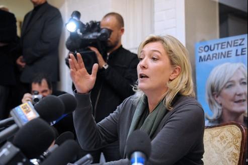 Marine Le Pen lors d'une conférence de presse à Lille, le 14 décembre.