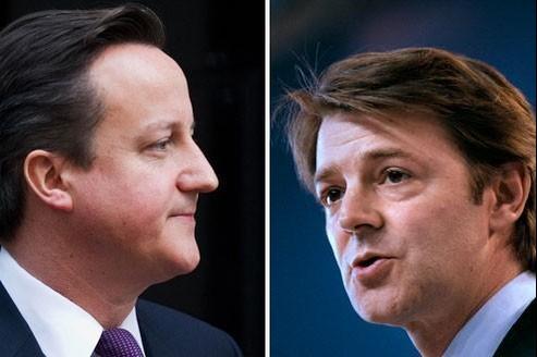Le premier ministre britannique, David Cameron (à gauche) et le ministre de l'Économie, François Baroin