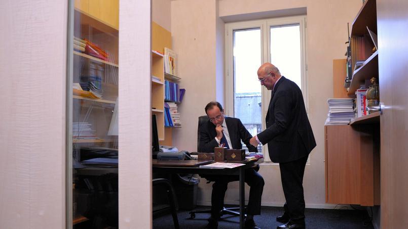 François Hollande en compagnie de Michel Sapin la semaine dernière à l'Assemblée nationale.