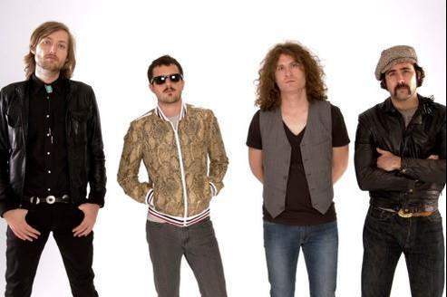 Les interprètes de Somebody Told Me ne s'étaient pas réunis depuis leur dernier album, Day and Age, sorti en 2008.