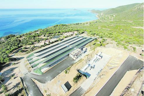 Située dans le golfe d'Ajaccio, la plate-forme de stockage, appelée Myrte, a été inaugurée lundi. Crédits photo: DR.