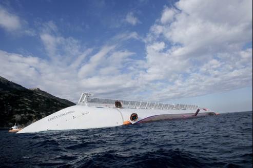 Le Costa Concordia a coulé dans la nuit de vendredi à samedi au large de la Toscane.