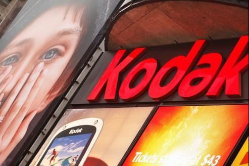 Incapable de prendre le virage du numérique, dépassé par Sony, Canon ou encore Fuji, Kodak a amorcé son déclin dès les années 1980.