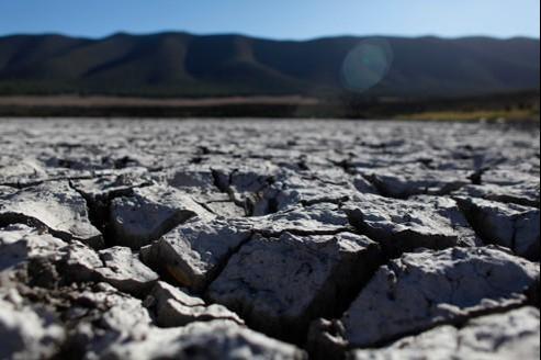 Le manque d'eau peut être physique (zones arides) ou économique (insuffisance d'infrastructures).