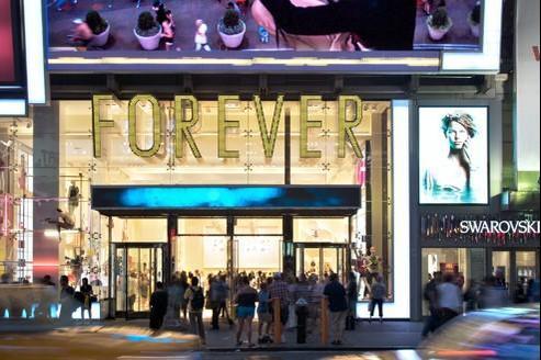L'enseigne américaine est présente depuis vingt-six ans aux États-Unis avec 450 magasins, dont un de 9100 m2 sur Time Square, à New York.