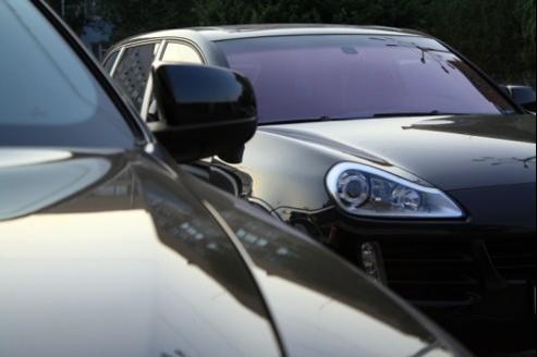 Même si elle est en principe réservée aux entreprises, certaines compagnies et certains courtiers en assurance auto ont développé des offres d'assurance multi-véhicules.