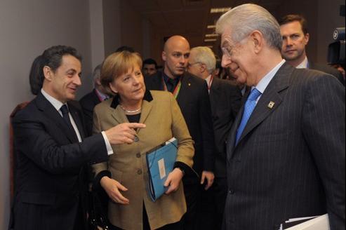 Le président français Nicolas Sarkozy, la chancelière allemande Angela Merkel et le premier ministre italien Mario Monti, le 30 janvier à Bruxelles.