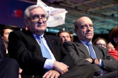 Jean-Pierre Raffarin et Alain Juppé lors du dernier Conseil national de l'UMP.