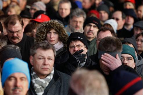 Les salariés allemands sont nombreux à souffrir au travail. Ici, des employés de Nokia Siemens manifestent à Munich contre la suppression de 2900 emplois.