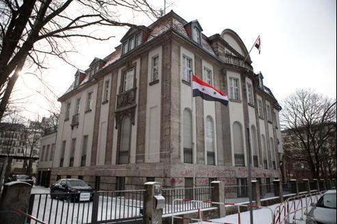 Jeudi, quatre employés de l'ambassade de Syrie à Berlin ont été expulsés en relation avec une affaire d'espionnage d'opposants syriens.