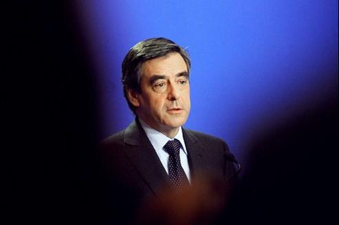 «Les évolutions européennes nécessitent une modification de la Constitution», a estimé mardi François Fillon devant les parlementaires UMP.