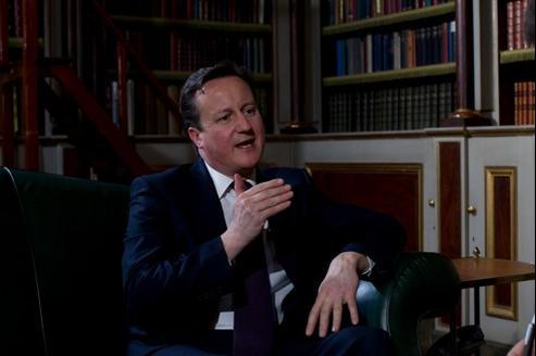 David Cameron, premier ministre Britannique, dans un salon de l'ambassade de Grande Bretagne.