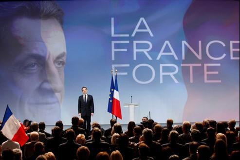 Nicolas Sarkozy, dimanche, lors de son premier grand meeting, à Marseille.