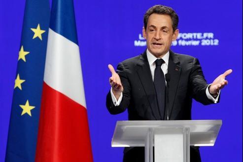 Nicolas Sarkozy, dimanche, lors de son premier grand meeting de campagne, à Marseille.
