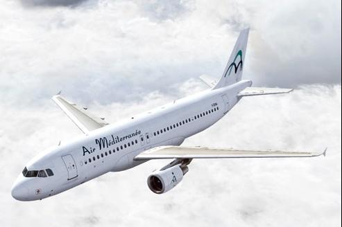 Air Méditerranée travaille essentiellement avec des tour-opérateurs et avec les particuliers en vendant des vols low-costs sur Internet.