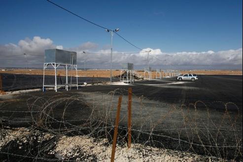À la frontière jordano-syrienne, le 14 février 2012. La Jordanie construit un camp en vue d'accueillir d'éventuels réfugiés syriens.