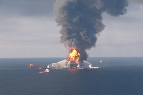 La plate-forme Deep Water Horizon a explosé le 20 avril 2010 de la Louisiane.