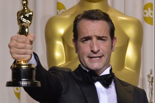 Jean dujardin repart avec cinq oscars pour the artist for Oscar jean dujardin