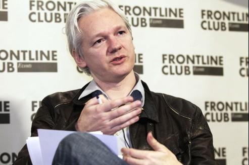Julian Assange, lundi, à Londres, pendant une conférence de presse.