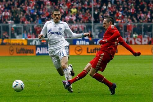 Le retour de Franck Ribéry au sommet de sa forme est salué par les plus grands, tel Franz Beckenbauer: « C'est tout simplement incroyable ce que ce petit gars est capable de faire.»