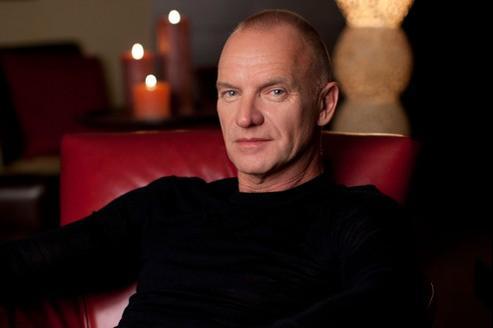 A 60 ans, Sting, l'ancien chanteur du groupe The Police ne se lasse pas d'entrer en scène.