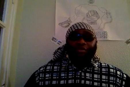 Capture d'écran d'une des vidéos postées par Youssouf Fofana.