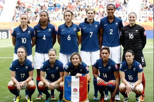 L'équipe de France de football féminin en juillet 2011.