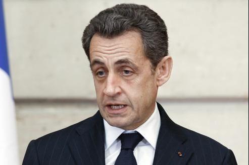 En retard dans les sondages, Nicolas Sarkozy doit l'emporter, selon une règle mathématique établie par deux universitaires français.
